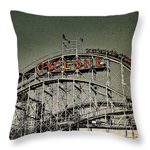 Roller Coaster Throw Pillow featuring the photograph Cyclone Pop by Onedayoneimage Photography