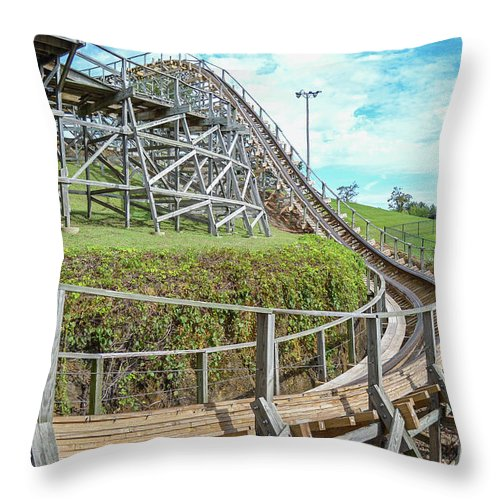 Cyclops Throw Pillow featuring the photograph Cyclops by Justin Surguine