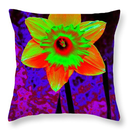 Daffodil Throw Pillow featuring the photograph Daffodil 2 by Tim Allen