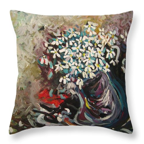 Daisy Paintings Throw Pillow featuring the painting Daisy In Vase3 by Seon-Jeong Kim