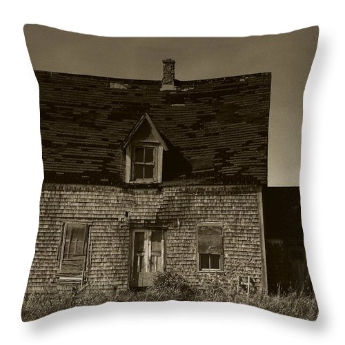 Old House Throw Pillow featuring the photograph Dark Day On Lonely Street by RC DeWinter