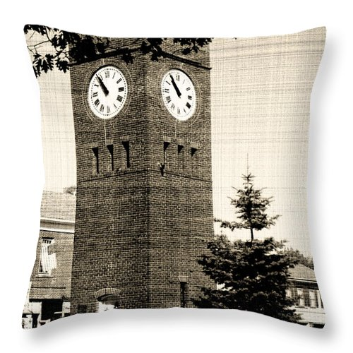 Hudson Throw Pillow featuring the photograph Days Gone By by Kenneth Krolikowski