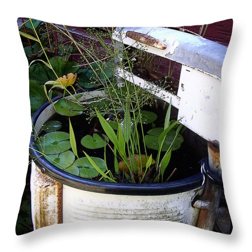 Wringer Throw Pillow featuring the photograph Dead Wringer by Tim Nyberg