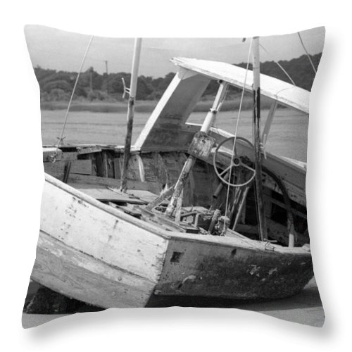 Abandoned Throw Pillow featuring the photograph Decommissioned by Richard Rizzo