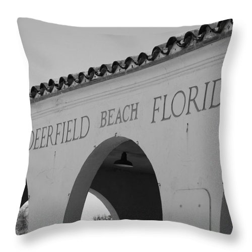 Black And White Throw Pillow featuring the photograph Deerfield Beach Florida by Rob Hans