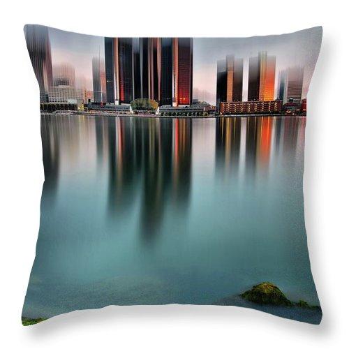 Detroit Throw Pillow featuring the photograph Detroit Sunrise by Andrzej Pradzynski