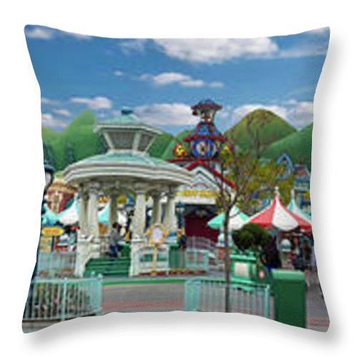 Toontown Disney Land Throw Pillow featuring the photograph Disneyland Toontown Young Man Proposing To His Lady Panorama by Thomas Woolworth