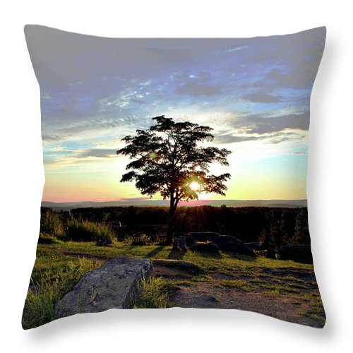 Gettysburg Throw Pillow featuring the photograph Dogwood On Little Round Top by Jen Goellnitz