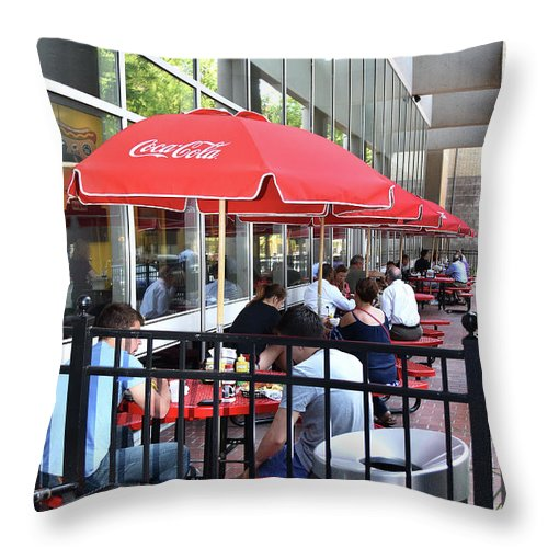 Scenic Tours Throw Pillow featuring the photograph Doing Lunch by Skip Willits