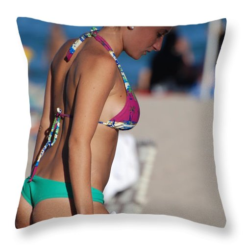 Girl Throw Pillow featuring the photograph Domino by Rob Hans