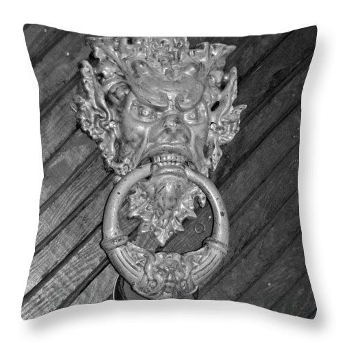 Door Knocker Throw Pillow featuring the photograph Door Knocker At Hammond Castle by Suzanne Gaff