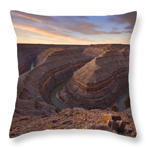 Goosenecks State Park Throw Pillow featuring the photograph Doubleback by Mike Dawson
