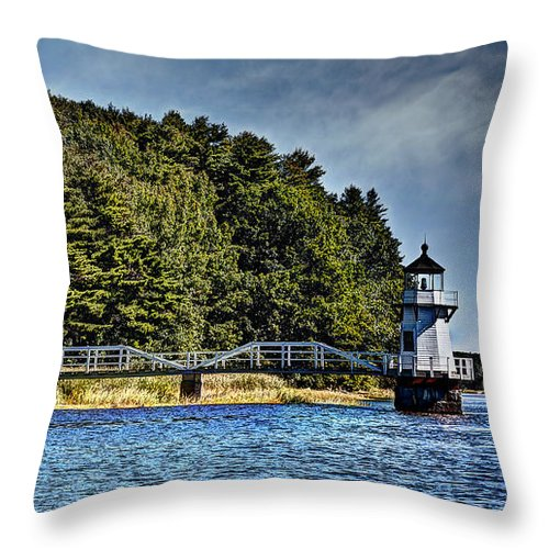 Mid Coast Maine Throw Pillow featuring the photograph Doubling Point Lighthouse by Deborah Klubertanz