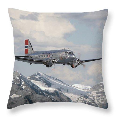 Aircraft Throw Pillow featuring the photograph Douglas Dc3 - Dakota by Pat Speirs