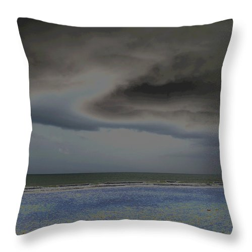 Sky Throw Pillow featuring the photograph Dreamscape by Suzanne Gaff