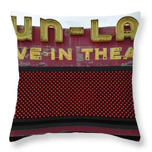 Drive In Theatre Throw Pillow featuring the photograph Drive Inn Theatre by David Lee Thompson