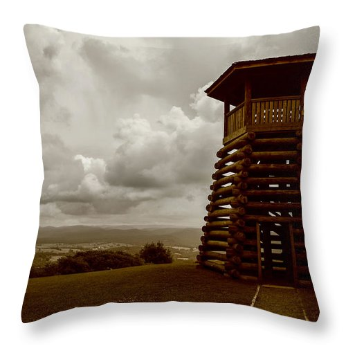 Droop Mountain West Virginia Throw Pillow featuring the photograph Droop Mountain Battlefield by Terry Baldridge