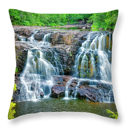 Gooseberry Throw Pillow featuring the photograph Early Morning At The Upper Falls by Roderick Bley