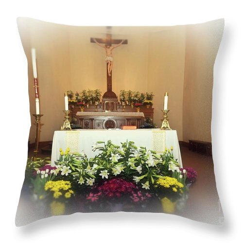 Easter Throw Pillow featuring the photograph Easter Alter by Kathleen Struckle