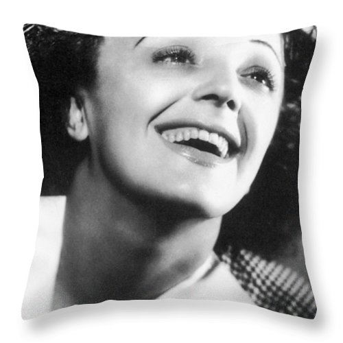 1946 Throw Pillow featuring the photograph Edith Piaf by Granger