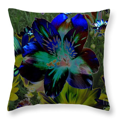 Art For The Wall...patzer Photography Throw Pillow featuring the photograph Electric Lily by Greg Patzer