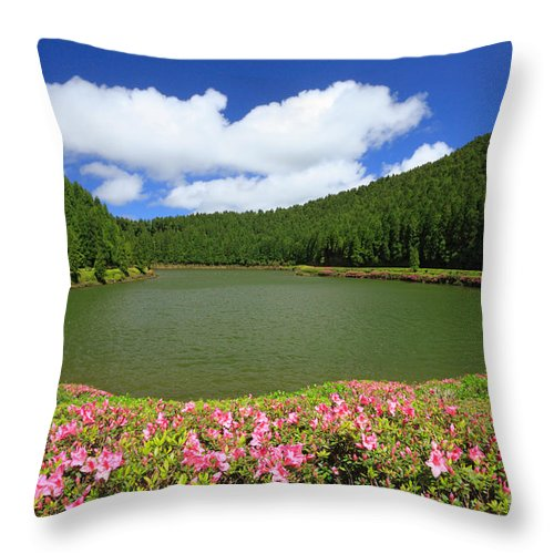 Azoren Throw Pillow featuring the photograph Empadadas Lakes by Gaspar Avila