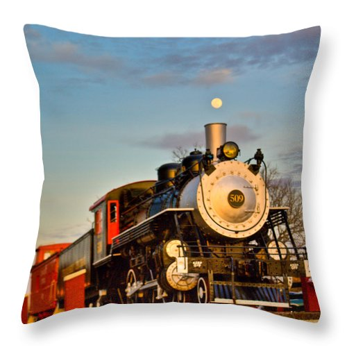 Engine Throw Pillow featuring the photograph Engine 509 At Crossville Tennessee Puffing by Douglas Barnett