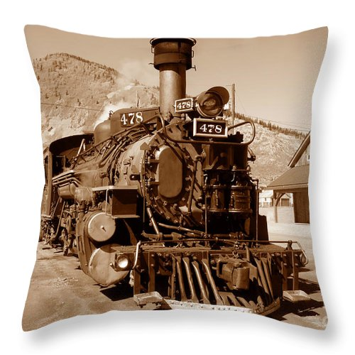 Train Throw Pillow featuring the photograph Engine Number 478 by David Lee Thompson