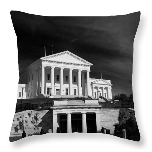 Capitol Building Throw Pillow featuring the photograph Entrance Below by Tim Wilson
