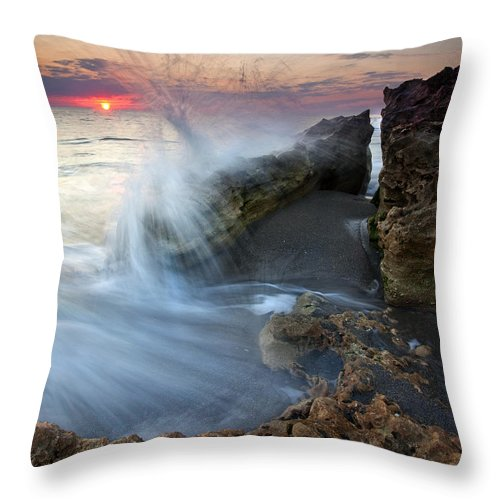 Blowing Rocks Throw Pillow featuring the photograph Eruption At Dawn by Mike Dawson