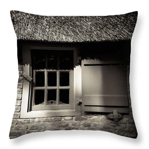 Dutch Throw Pillow featuring the photograph Farmhouse Window by Dave Bowman