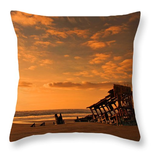 Peter Iredale Throw Pillow featuring the photograph Final Resting Place by Dan Mihai