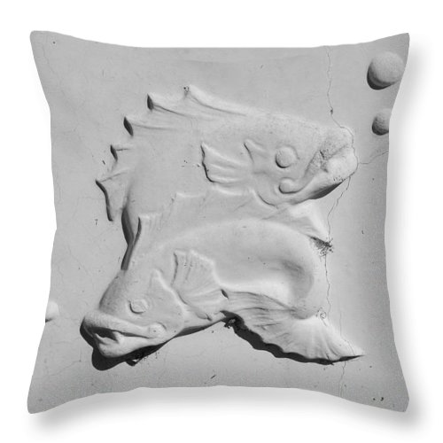 Black And White Throw Pillow featuring the photograph Fish And Bubbles by Rob Hans