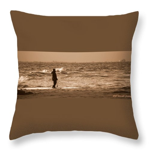 Virginia Beach Throw Pillow featuring the photograph Fishin by Sheri Bartoszek