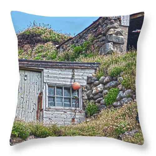 Huts Throw Pillow featuring the photograph Fishing Huts Cape Cornwall by Terri Waters