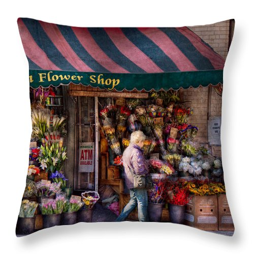 Flower Throw Pillow featuring the photograph Flower Shop - Ny - Chelsea - Hudson Flower Shop by Mike Savad