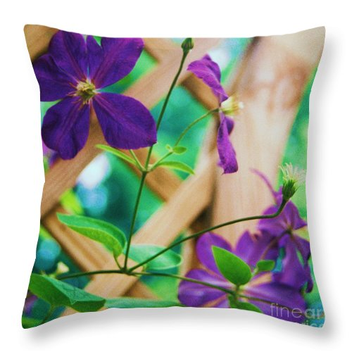 Floral Throw Pillow featuring the painting Flowers Purple by Eric Schiabor