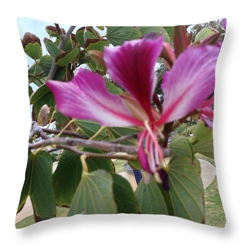 Flowers Throw Pillow featuring the painting Flowers by Richard Benson
