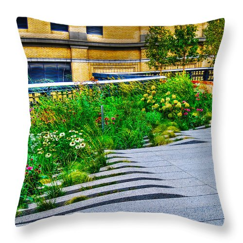 High Line Park Throw Pillow featuring the photograph Flowery Garden On The High Line by Randy Aveille