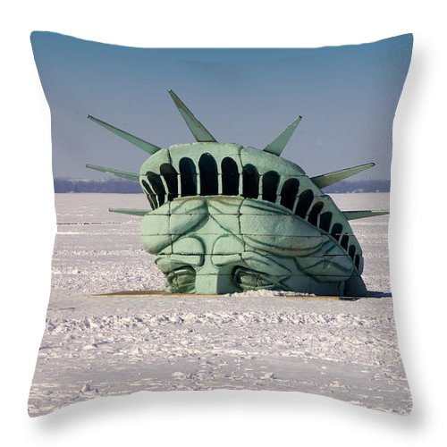 Statue Of Liberty Throw Pillow featuring the photograph Freedom by Linda Mishler
