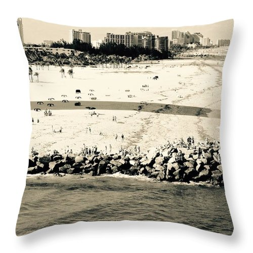Ft. Lauderdale Throw Pillow featuring the photograph Ft. Lauderdale Farewell by David Coleman