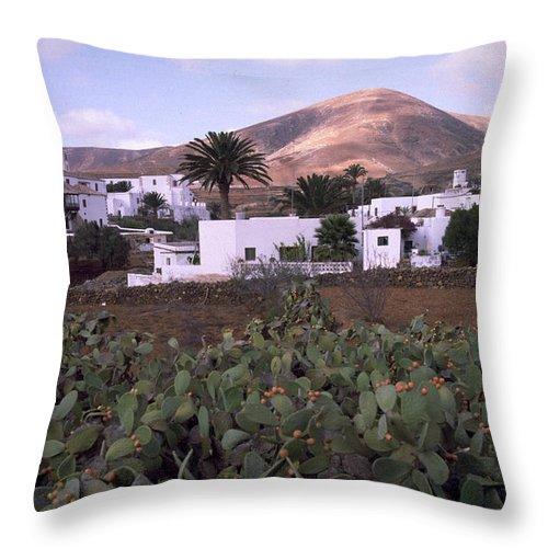 Fuerteventura Throw Pillow featuring the photograph Fuerteventura Iv by Flavia Westerwelle