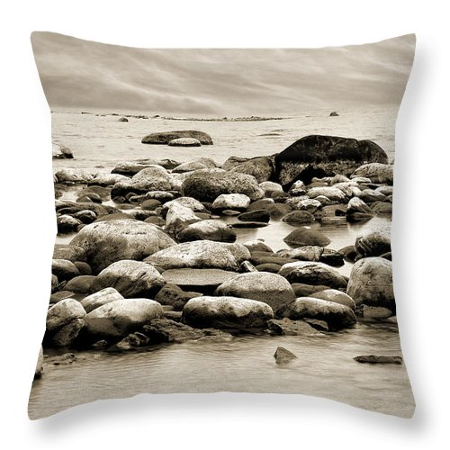 Georgian Bay Throw Pillow featuring the photograph Georgian Bay by Linda McRae