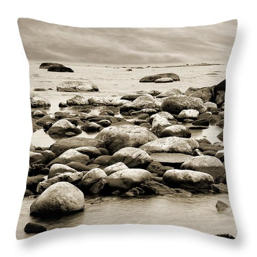 Georgian Bay Throw Pillow featuring the photograph Georgian Bay by Linda McRae