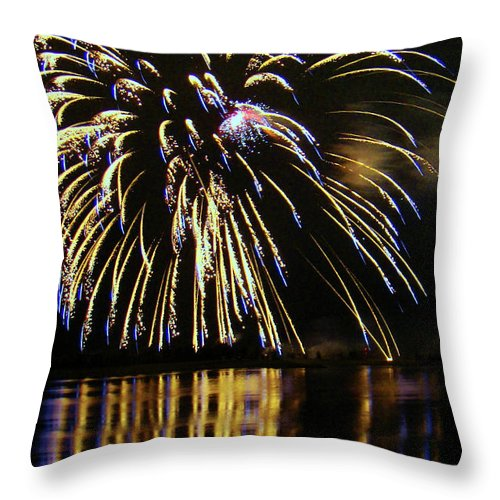 Al Bourassa Throw Pillow featuring the photograph Globalfest Fireworks by Al Bourassa