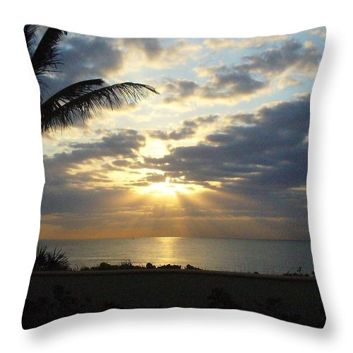 Sunrise Throw Pillow featuring the photograph Glorious Morning by Peggy King