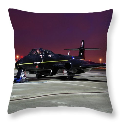 Gloster Throw Pillow featuring the photograph Gloster Meteor T7 by Tim Beach