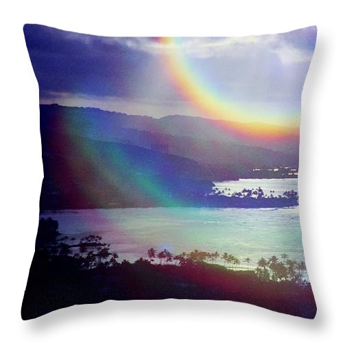 Maunalua Bay Throw Pillow featuring the photograph Gods Eye by Kevin Smith