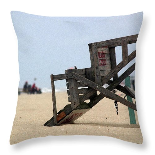 Seascape Throw Pillow featuring the photograph Going Home by Mary Haber