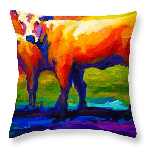 Cows Throw Pillow featuring the painting Golden Beauty by Marion Rose